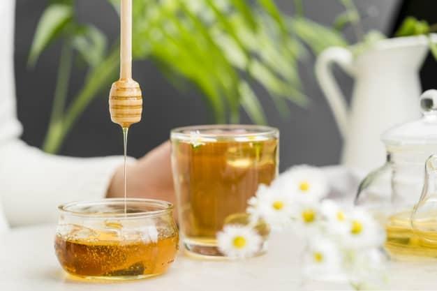 چای و عسل روش درمان خانگی گلو درد
