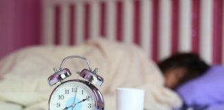 چطور مشكل كم خوابي را برطرف كنيم؟