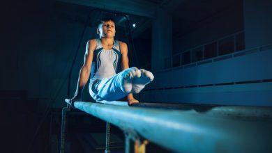 دختر نوجوان در حال ورزش ژیمیناستیک   مزیت های ژیمیناستیک برای نوجوانان   سیوطب