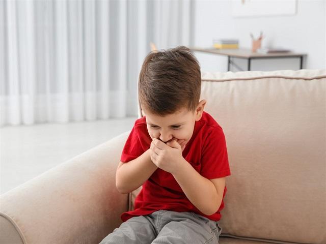 علائم میگرن در کودکان پسر | سیوطب